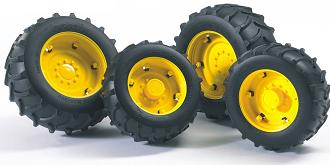 Bruder twin tyres with yellow rims