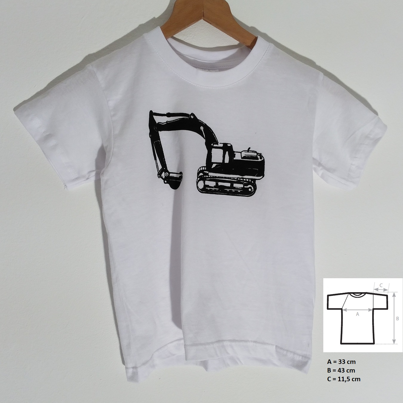 Kids T-shirt, size 3/4 (98-104) with excavator. (100% cotton)